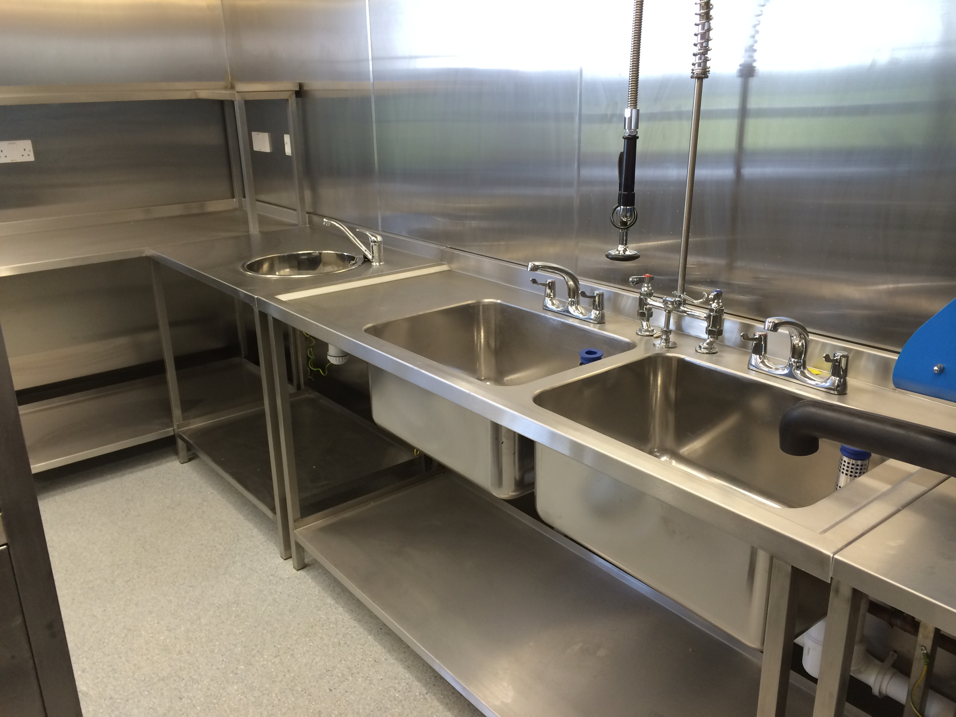 Stainless Steel Sinks & Tables